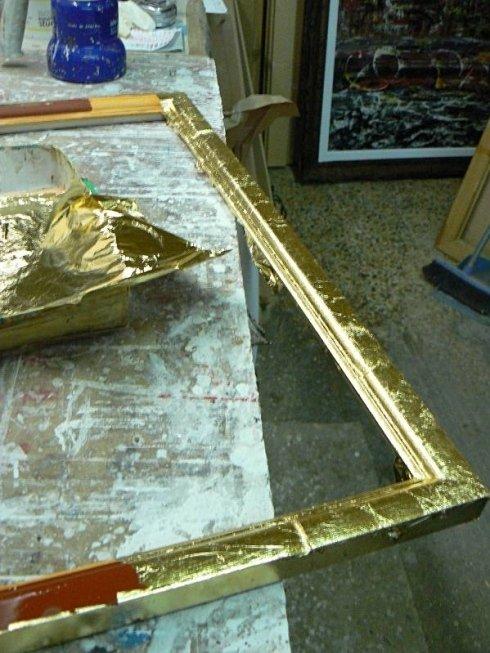 realizzazione di cornice a foglia oro
