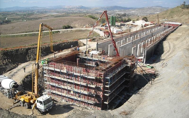 edificio in fase di costruzione