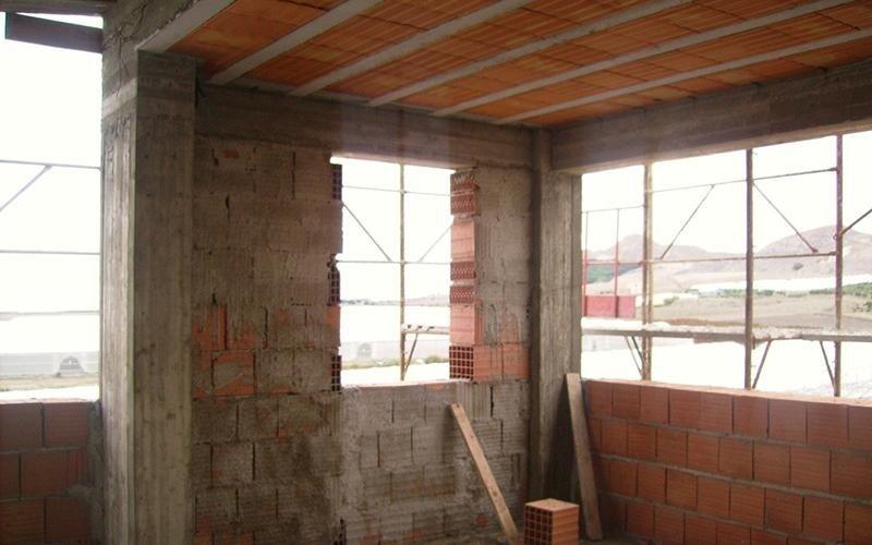 finestra in fase di costruzione