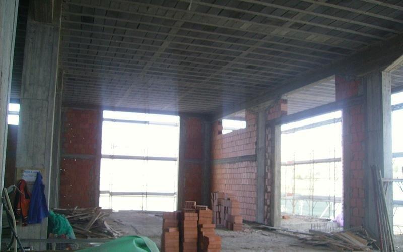 palazzo in costruzione