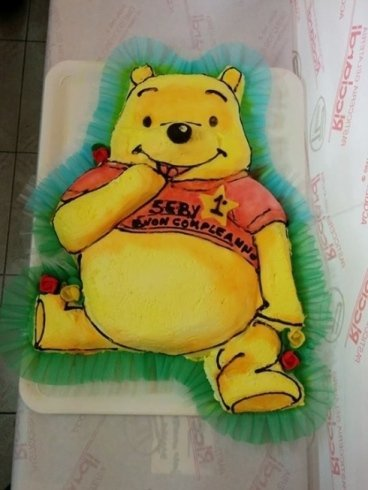 torte con pupazzi di zucchero, torta a piani, torte decorate
