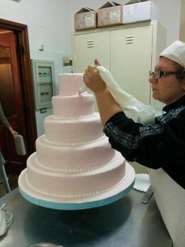 torte per feste, torte a piani, torte con fiori di zucchero