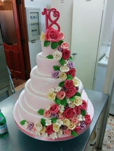 torte a piani, torte con rose di zucchero, torte con fiori