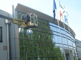 lavaggio vetri edifici