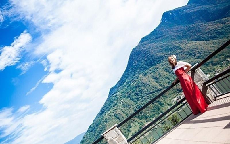 Paesaggio con sposa