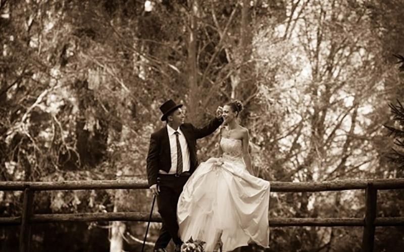 Foto romantiche sposo e sposa
