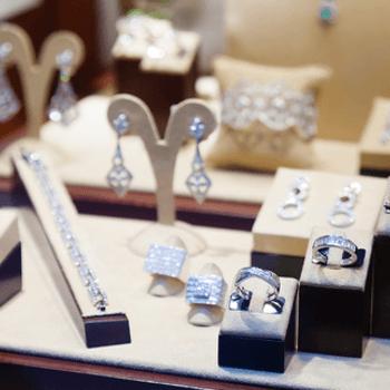 collane, anelli, bracciali, gioielli, diamanti