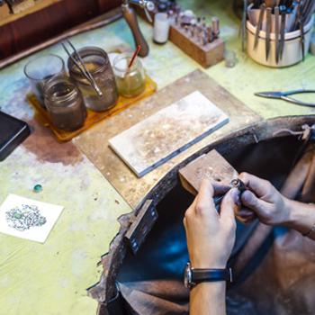 mani, laboratorio, orafo, gioiello, creazione gioiello