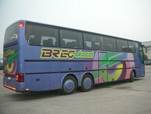 Adesivi per pullman e autobus e applicazione anche su mezzi speciali.