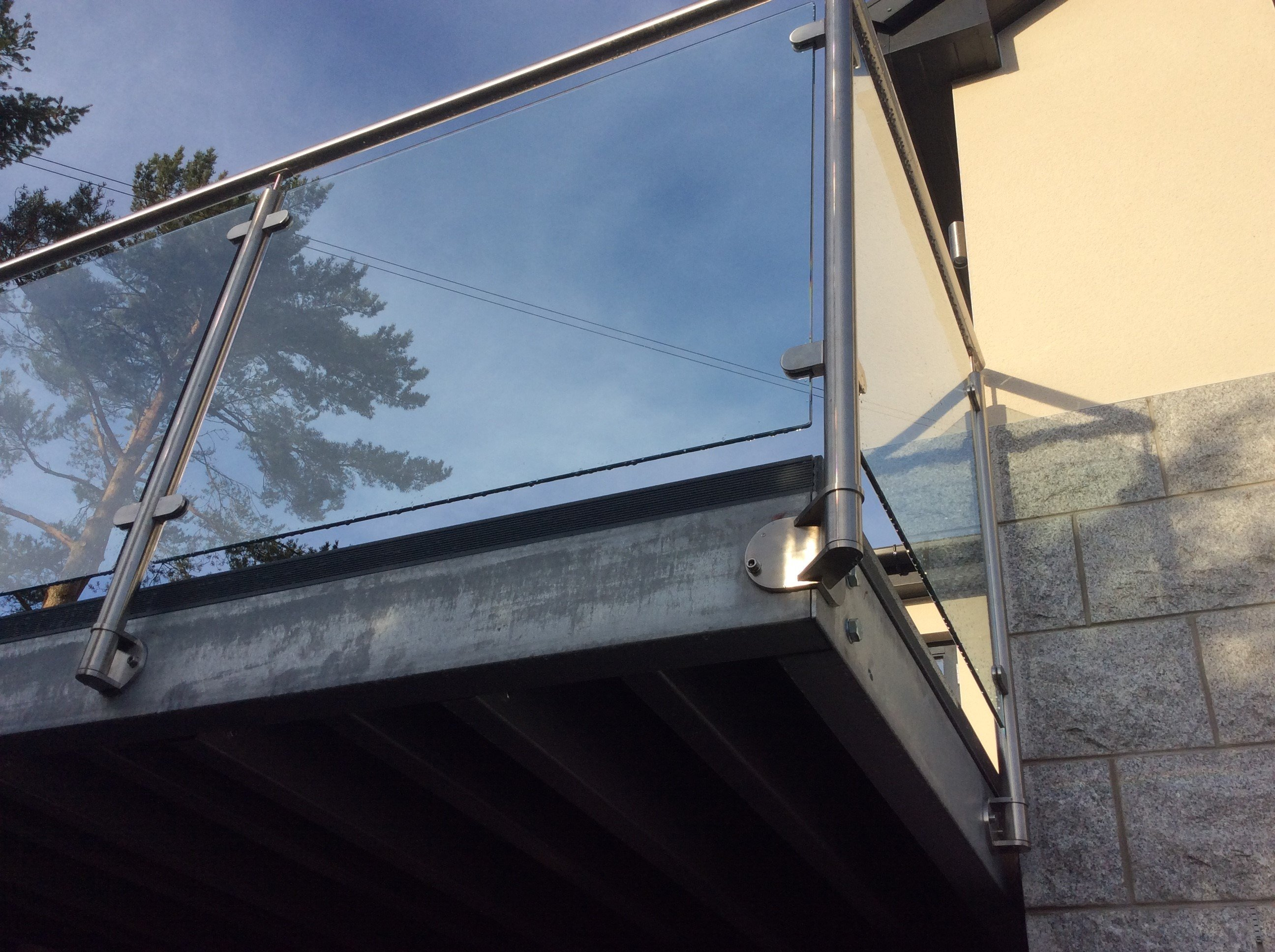 Stainless Steel Balcony Balustrade/Handrail - Bespoke
