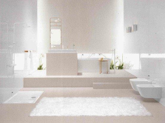 bagno arredato e completo di tutti i sanitari