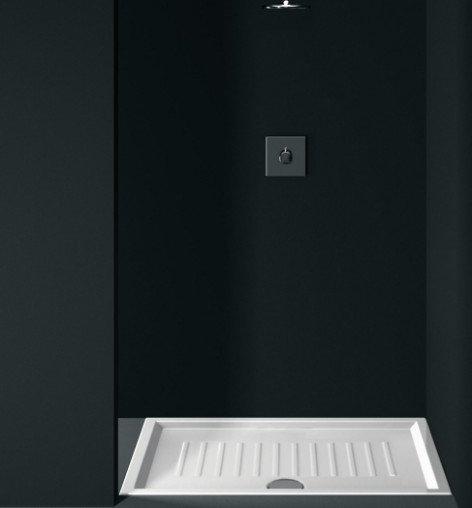 box doccia a cabina con pareti nere