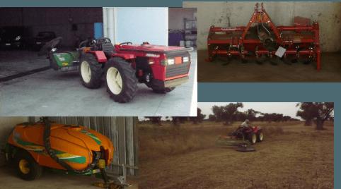 dei trattori e altre macchine agricole