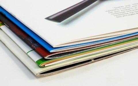brochure carta e cartone