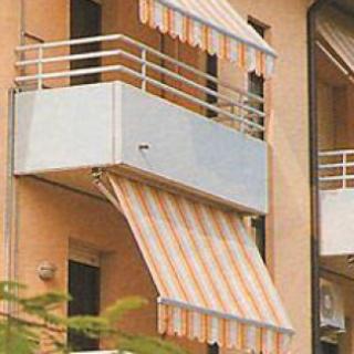 Tende da sole per terrazzi da Casabella a Pisogne