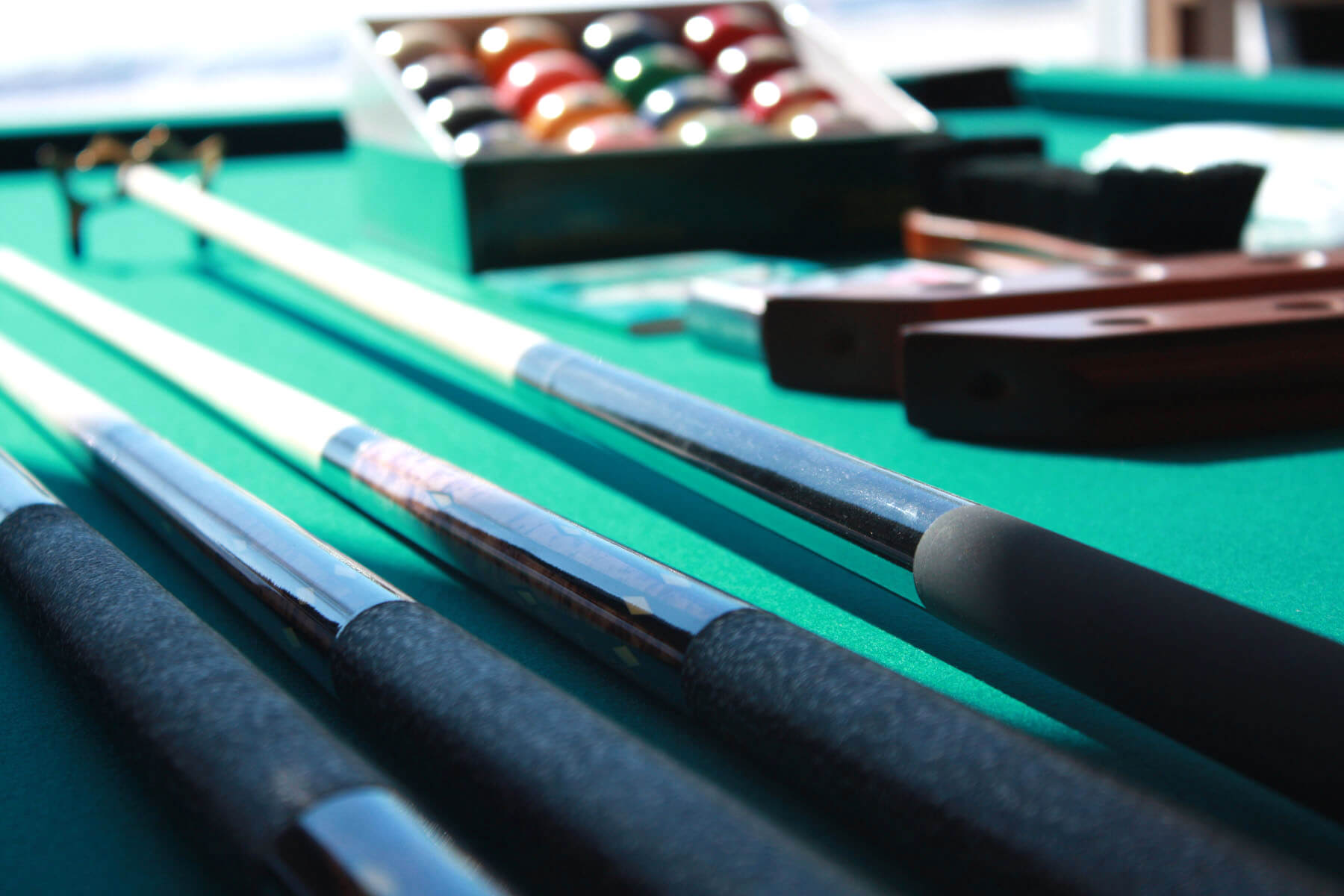 Best Quality Billiards Cues & Billiard Supplies
