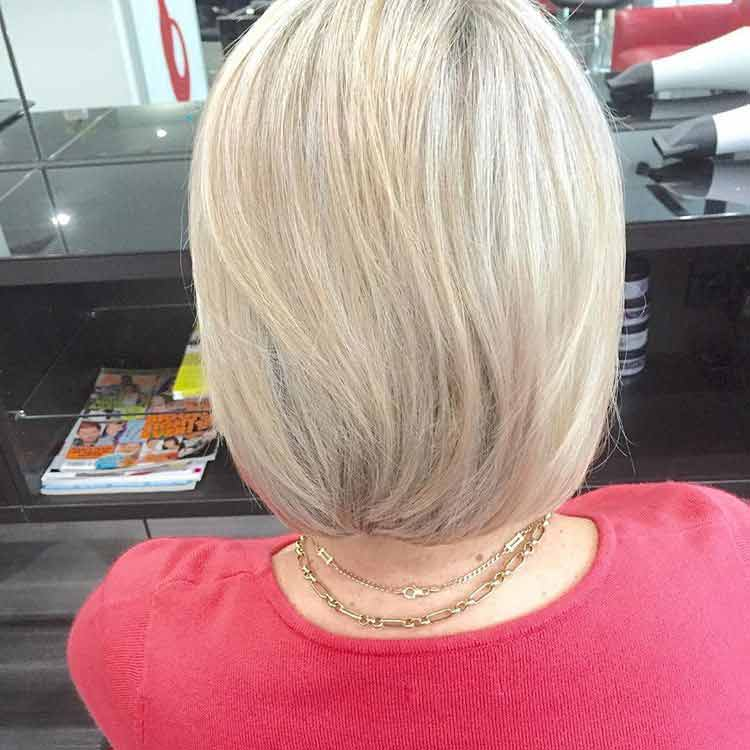 straight highlighted blonde bob