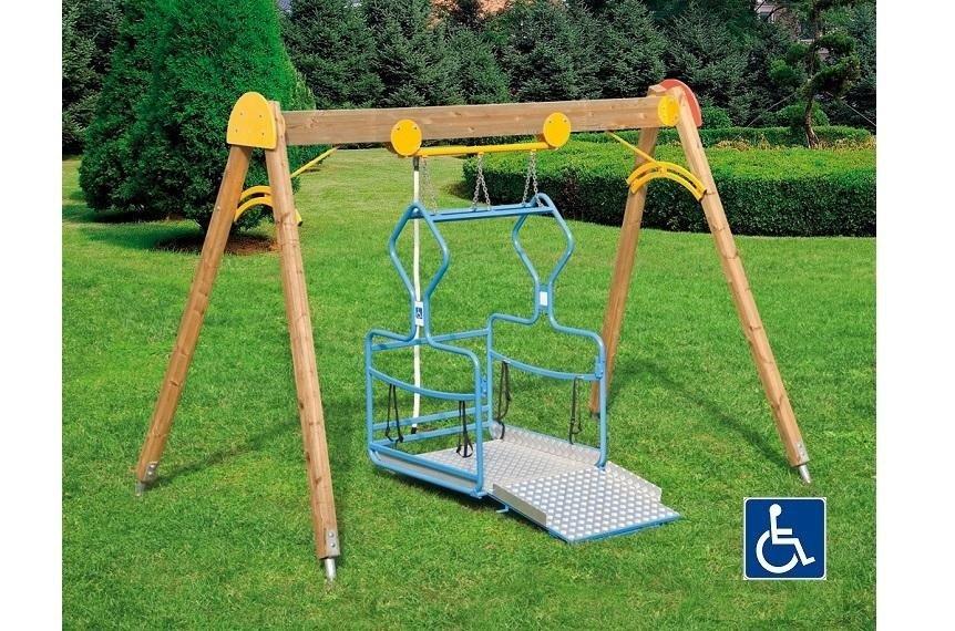 GL 393 Altalena con pedana richiudibile per bambini con disabilità su carrozzina
