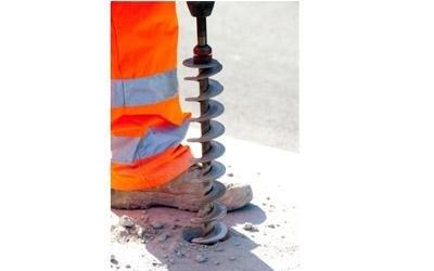 Trivella perforazione manto stradale