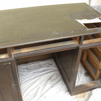 restauro scrivania, rifacimento anta, mobile su misura