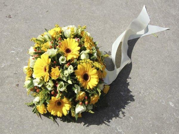 bouquet funerario addobbi floreali funebri