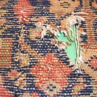 ricostruzione tappeto udine, restauro tappeto udine, restauro campo centrale, laboratorio di restauro del tappeto