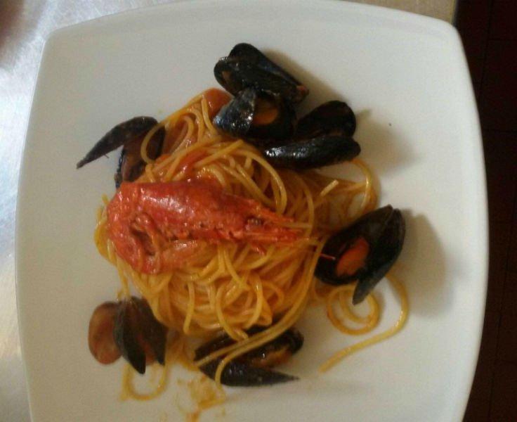 spaghetti alle cozze e gamberi