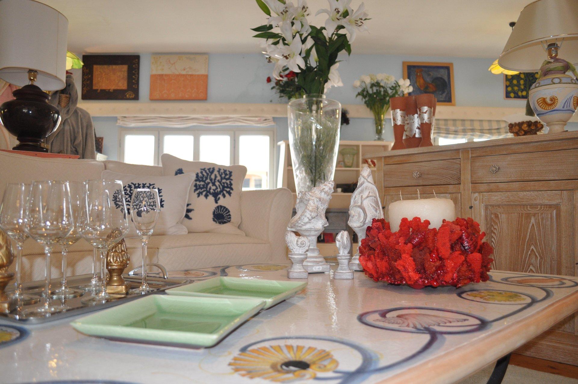 Arredamenti in stile costa smeralda olbia porto cervo for Costa arredamenti