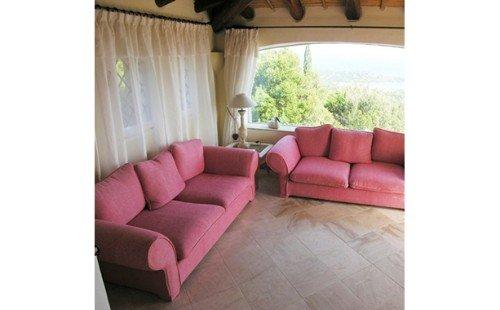 Due divani a tre posti
