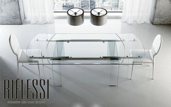 Tavolo ovale in vetro