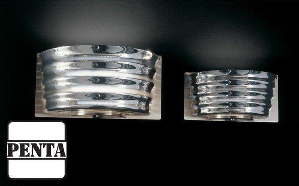 Applique con struttura in metallo e diffusore in vetro