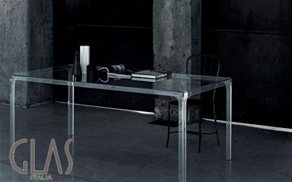 Tavolo in cristallo trasparente