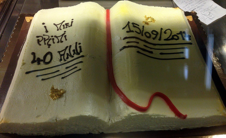 torta libro comunione