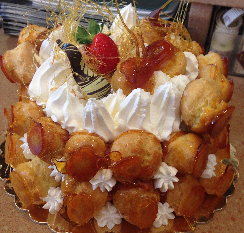 torta alta con bigne