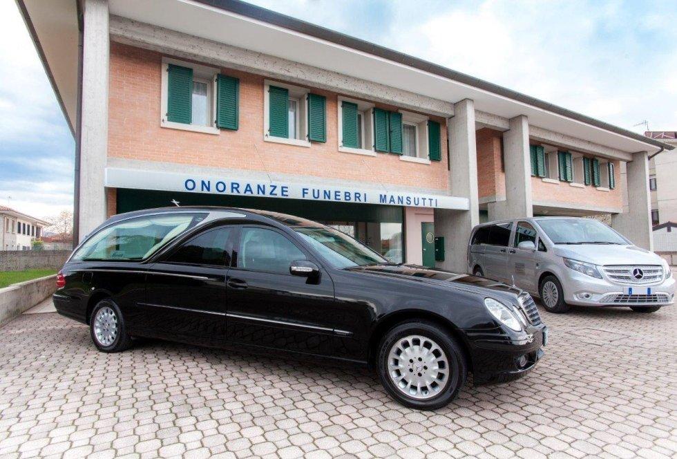 auto per servizi funebri