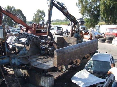 macchina demolita