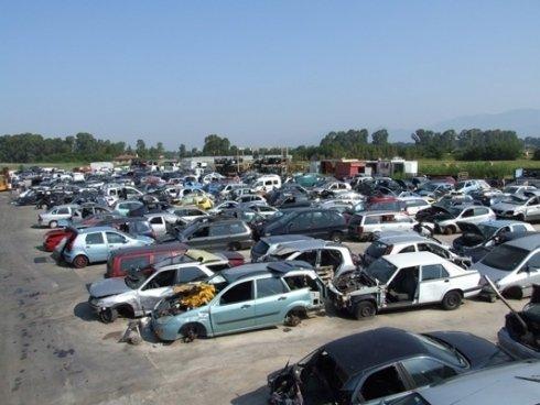 parcheggio auto incidentate