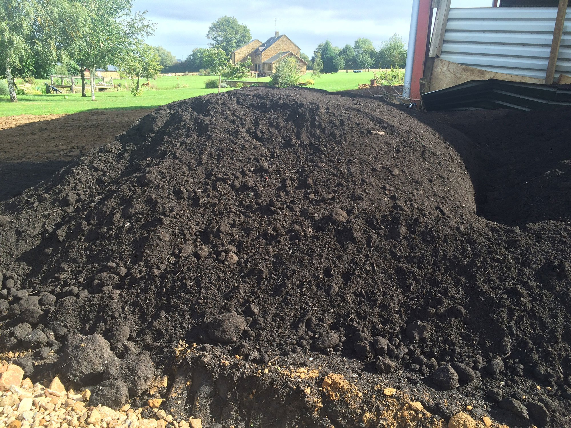 Topsoil delivery turf bulk bags north oxfordshire for Topsoil delivery