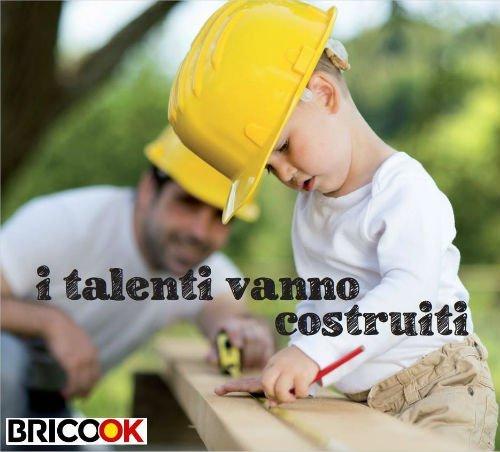 bambino aiuta in un lavoro di bricolage