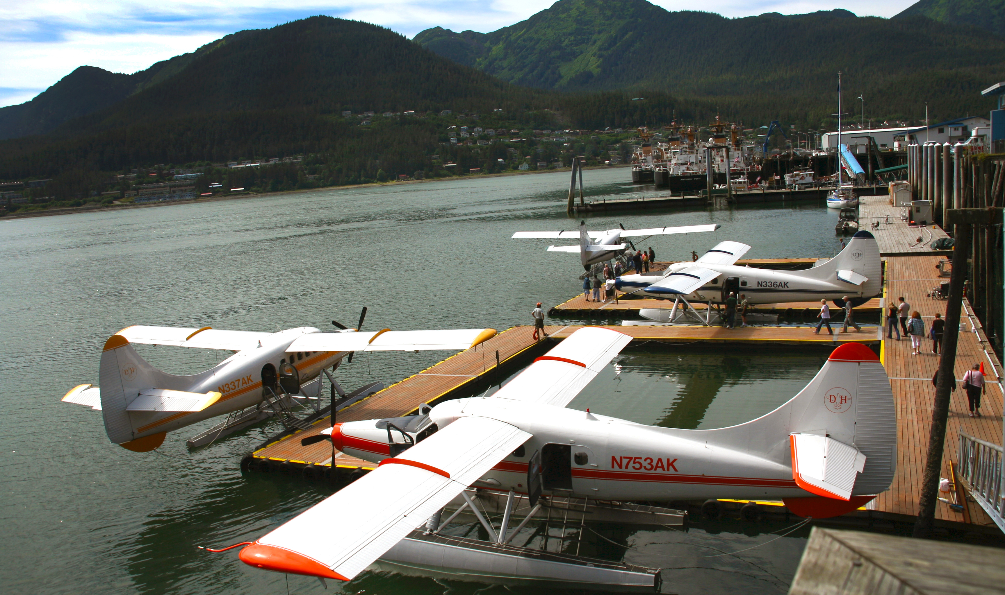 Planes along the wharf