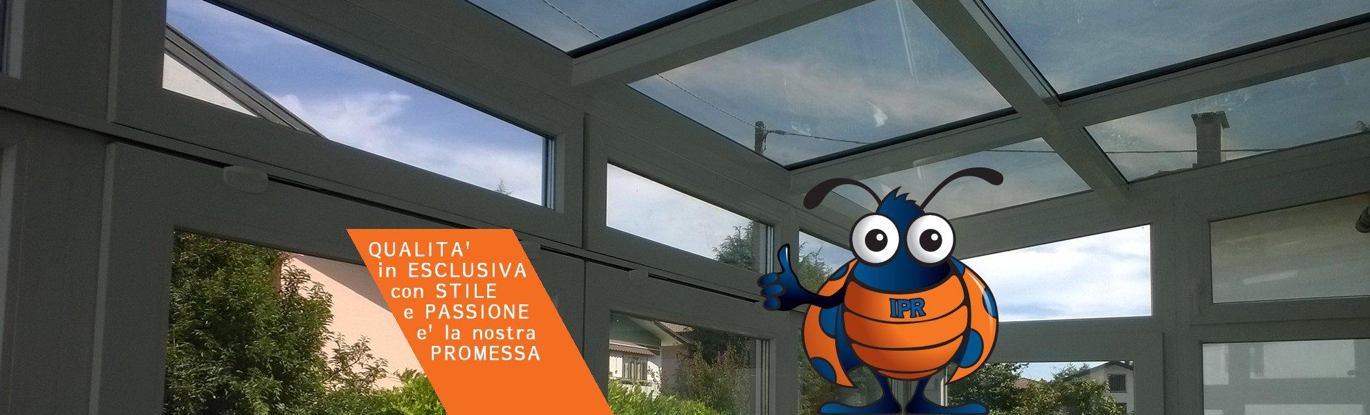 soffitto in vetro con titolo diapositiva