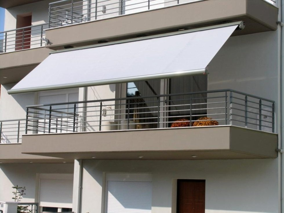 tenda da sole per balcone di una casa