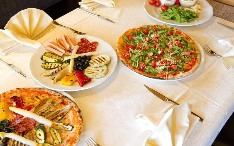 Cucina pizzeria