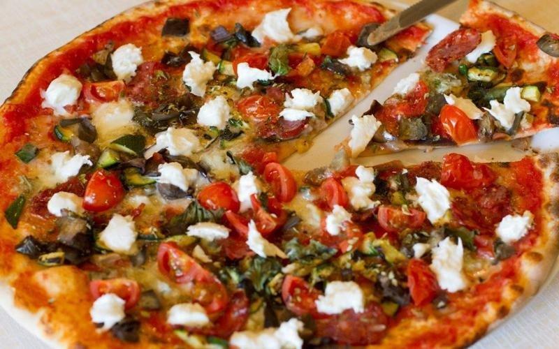 Pizza con mozzarella Dop