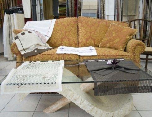 scelta tessuto su misura per divano