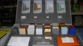 materiale elettrico, apparecchiature d'illuminazione per fabbriche, apparecchiature d'illuminazione per ospedali