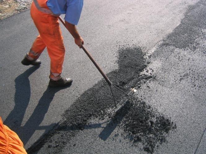 rifacimento fondo stradale