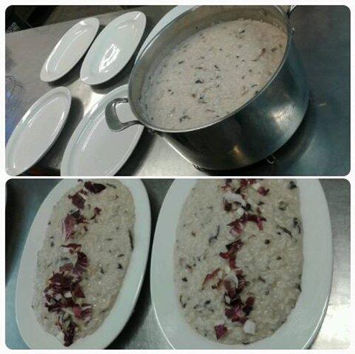 pentolone di risotto ai funghi e cinque piatti