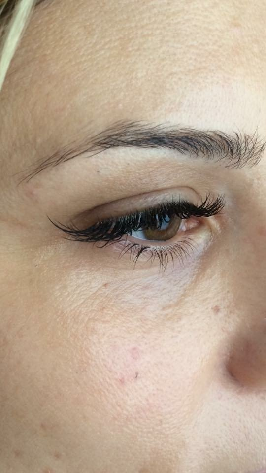 vista laterale di un occhio