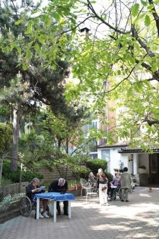 Spazio esterno casa di riposo